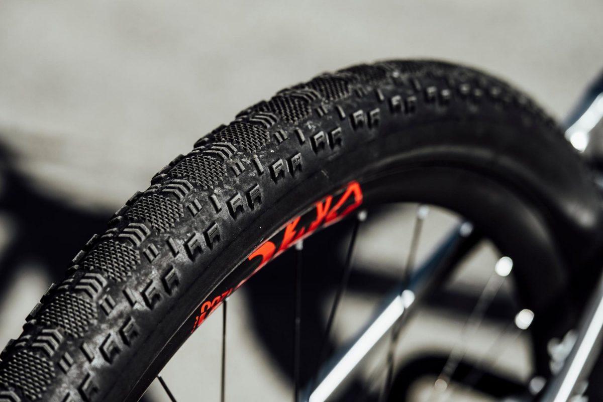 Custom Maxxis Aspen 29x2.40 tires