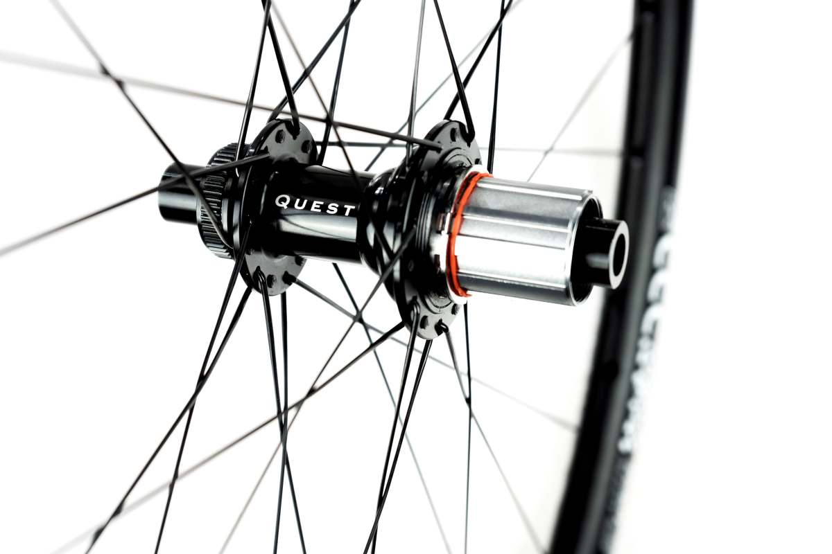 The BOYD CCC GRAVEL WHEELSET are available with Shimano Hyperglide, Sram XDR, and Shimano Microspline drivers and feature tool-free swapping of axle end caps and drivers.