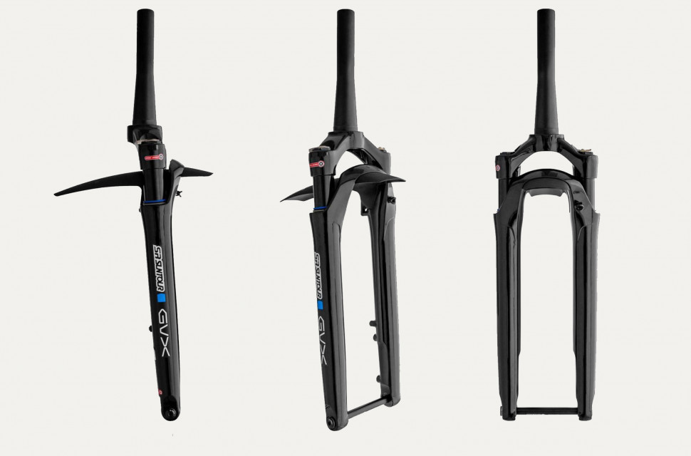 The Suntour GVX comes with a removable mini fender; stanchion mounts are built in for larger fenders.