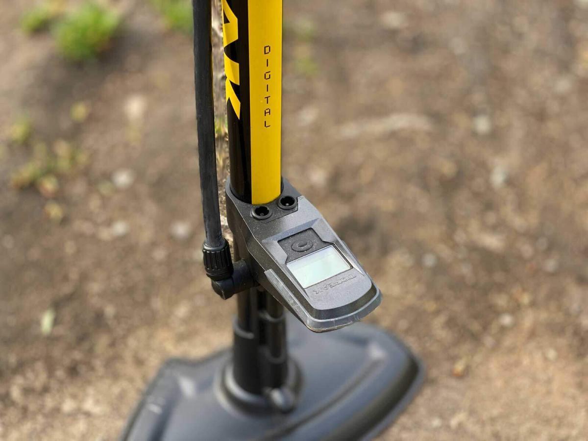 JoeBlow Sport Digital Floor Pump